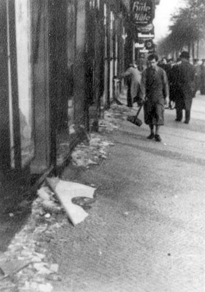 kristallnacht causes and consequences The holocaust the holocaust  kristallnacht pogrom : causes and consequences isolation and ghettoization  kristallnacht pogrom, causes and consequences.