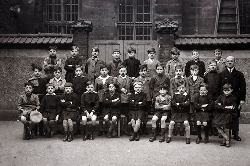 Joseph Migneret with his class, 1934