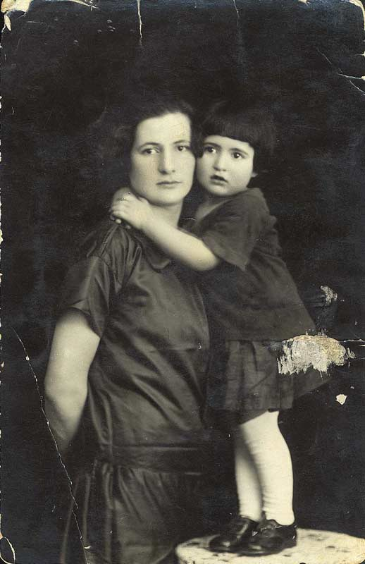 A mother and daughter from Lithuania before the war