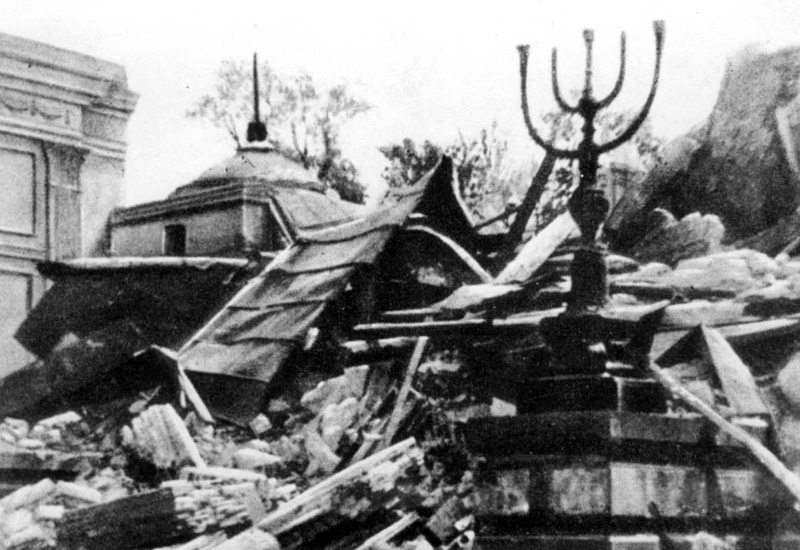 The ruins of the Great Synagogue on Tłomackie Street in Warsaw, 16 May 1943