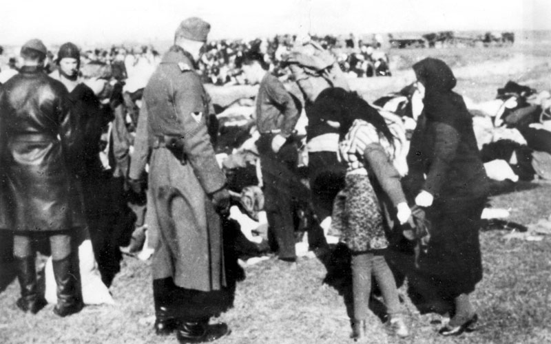 the holocaust mass murder of european jews during world war ii The holocaust, also referred to as the shoah, was a genocide during world war ii in which nazi germany, aided by its collaborators, systematically murdered approximately 6 million european.