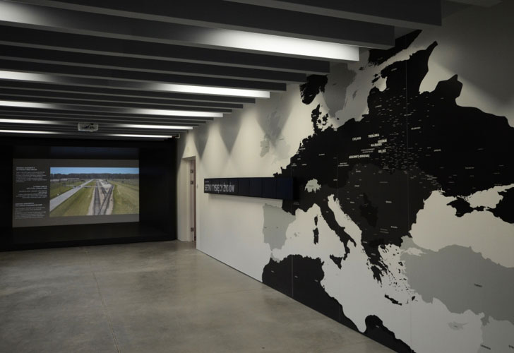 """Virtual Tour of the Exhibition """"Shoah"""" at the Auschwitz-Birkenau State Museum"""