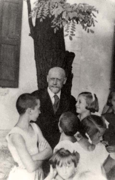 Goclawek, Poland, Korczak with a group of children