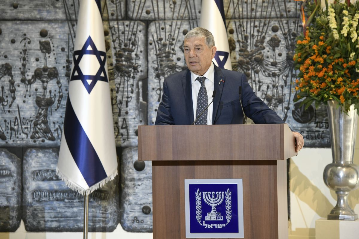Yad Vashem Chairman Avner Shalev speaking about the importance of both remembering the Holocaust and fighting antisemitism at a press conference in advance of the World Holocaust Forum