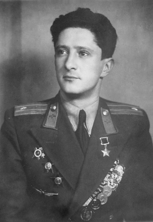 Genrikh Gofman, Photo from 1949