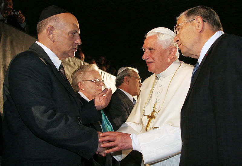Pope Benedict XVI Greets Holocaust Survivors and Righteous Among the Nations
