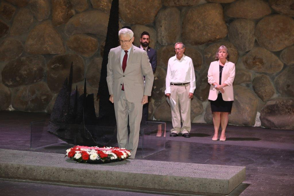Canada's Minister of Foreign Affairs Marc Garneau lays a memorial wreath in the Hall of Remembrance at Yad Vashem