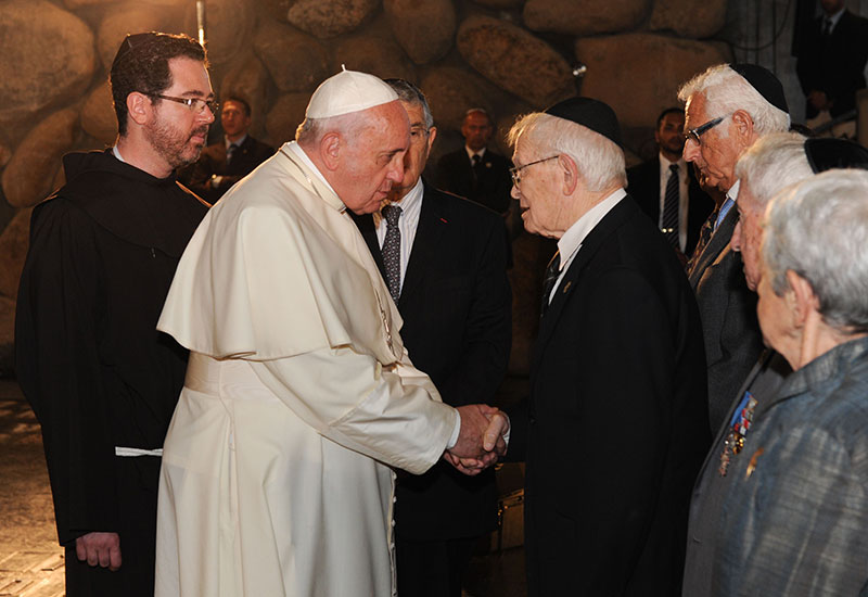 Pope Francis Greeted 6 Holocaust Survivors