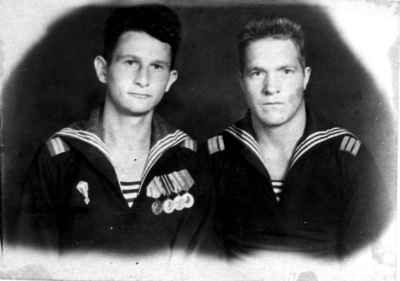 Mikhail Aizengart (on the left) in the  Soviet Naval Air Force, [1945?]