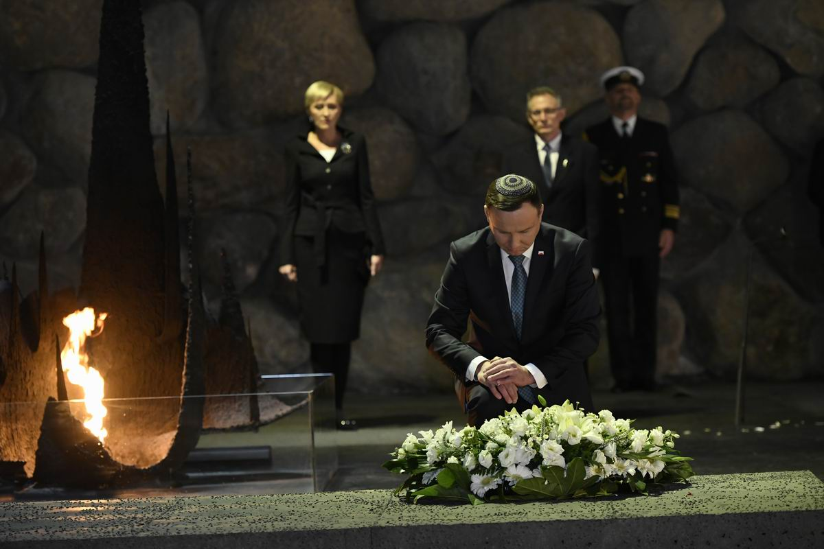 The Polish President laid a wreath on behalf of the Polish people in memory of the six million Jews murdered during the Holocaust