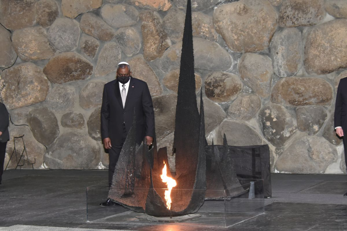 Secretary Austin rekindled the memorial flame in the Hall of Remembrance