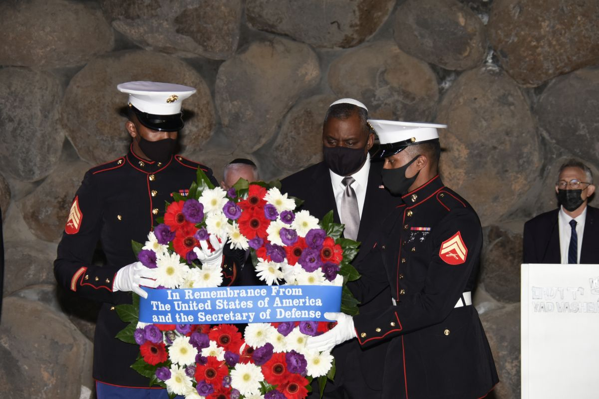 The Secretary of Defense laid a wreath on behalf of the people of the United States in memory of the six million victims of the Holocaust