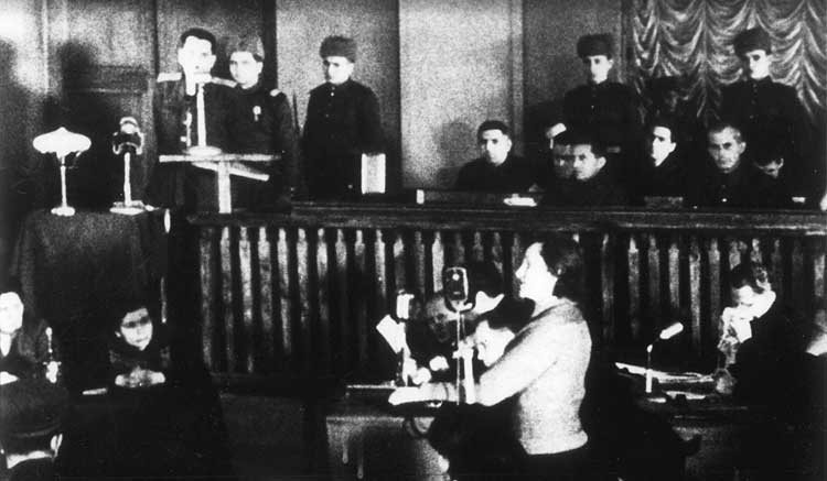 Dina Pronicheva on the witness stand, January 24, 1946, at a Kiev war-crimes trial of fifteen members of the German police responsible for the occupied Kiev region.