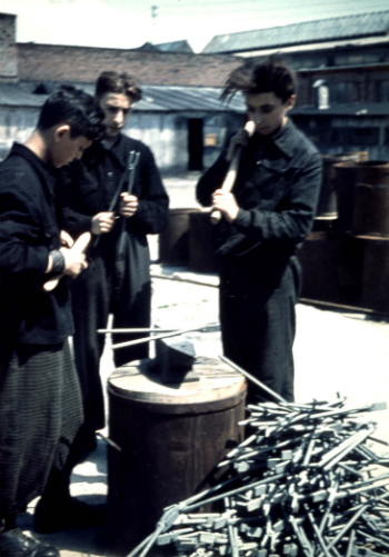 Tool factory in the ghetto