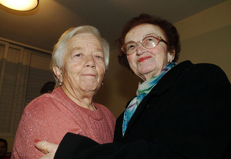 Sisters Reunite After 61 Years