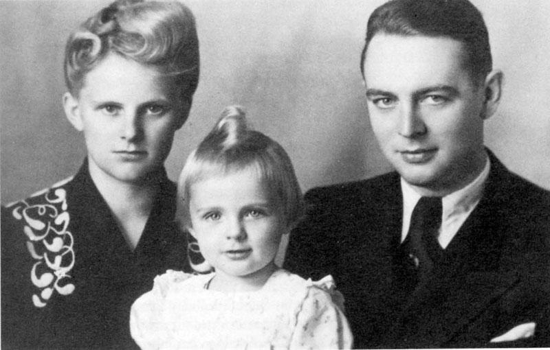 Berthold and Else Beitz with their daughter