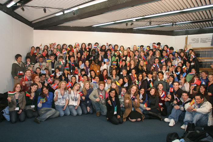 Delegates from 62 countries participating in the International Youth Congress at Yad Vashem