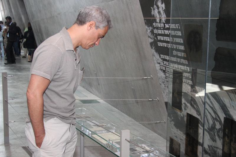 White House Chief of Staff Rahm Emanuel studies an exhibit in the Holocaust History Museum
