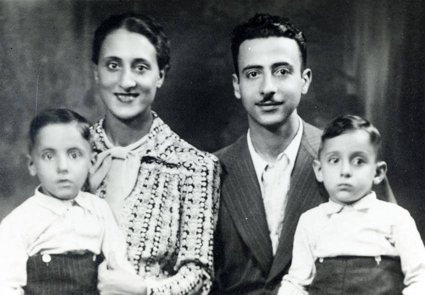 A bag sewn for Aleida-Chana Benninga by her mother and grandmother in camps set up by the Japanese in Indonesia