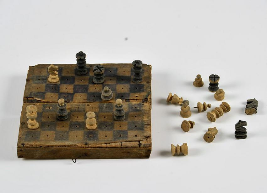 Chess set carved by Julius Druckman in the Obdovka ghetto, Transnistria, 1943