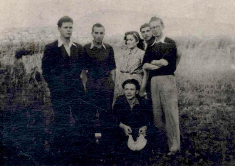 Shabetai Shemi, second from the left, with a group of boys, Bitola, Macedonia, before 1943
