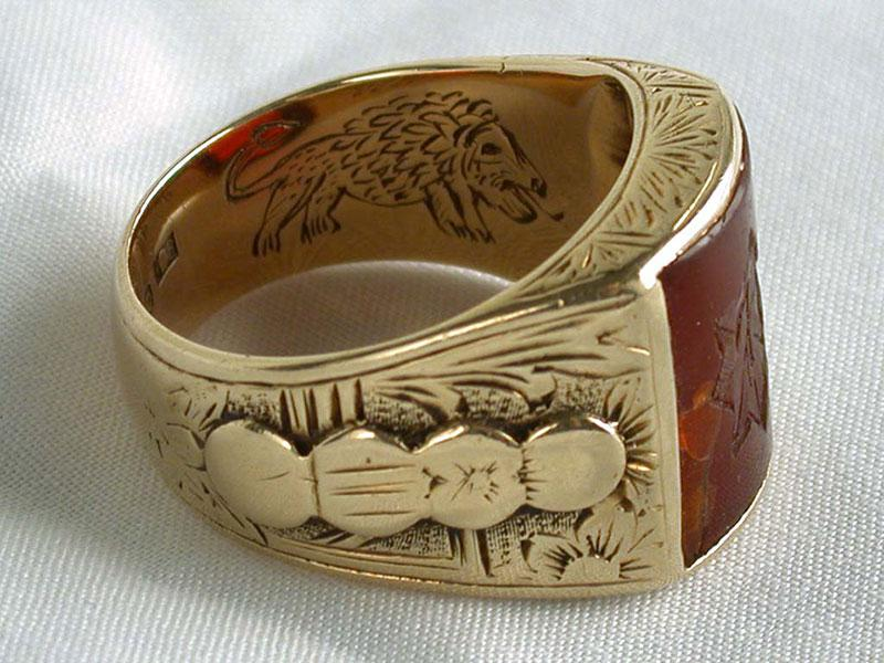 A lion of Judah engraved on the inside of the contact ring that was used as identification in secret encounters between the commanders of the Jewish Military Union in the Warsaw Ghetto and commanders of the Polish underground