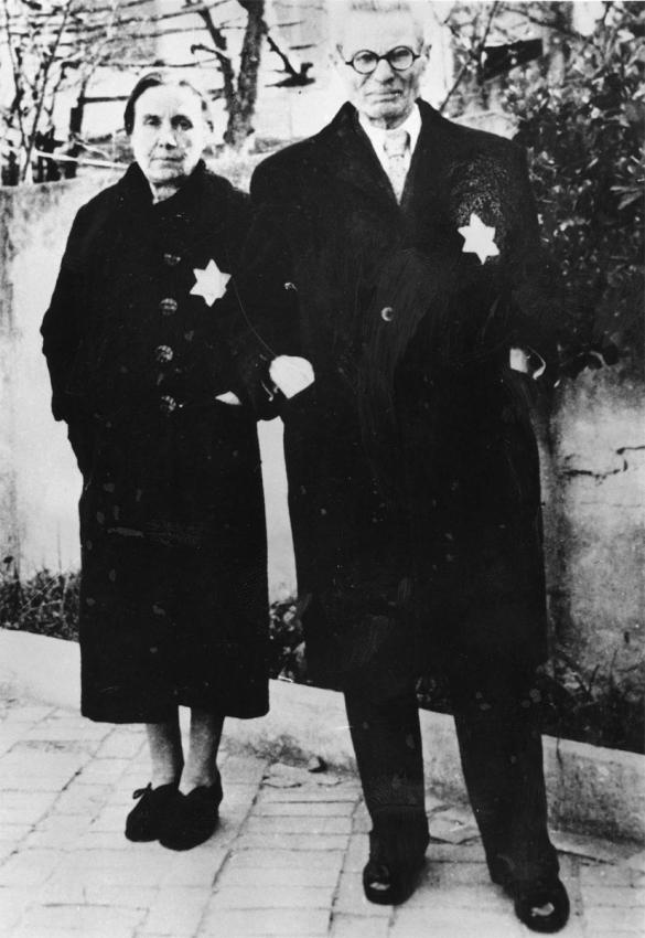 Jews in Greece wearing the yellow star on their clothes.