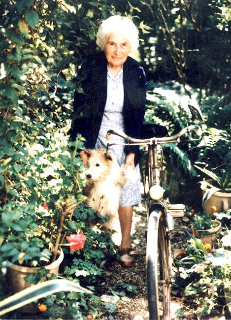 Marie-Rose Gineste, Montauban, France, before donating the bicycle to Yad Vashem in the year 2000