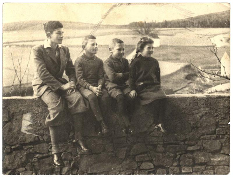 The Bruckmann children from Nabburg, Germany, 1935: From left to right – Werner, Friedl, Guenther and Waltraut. Only Werner, who was sent to Eretz Israel, survived