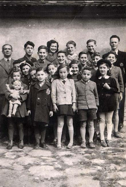 Jiri and Vera Bader and their classmates in the Jewish school in Kyjov during the Nazi occupation