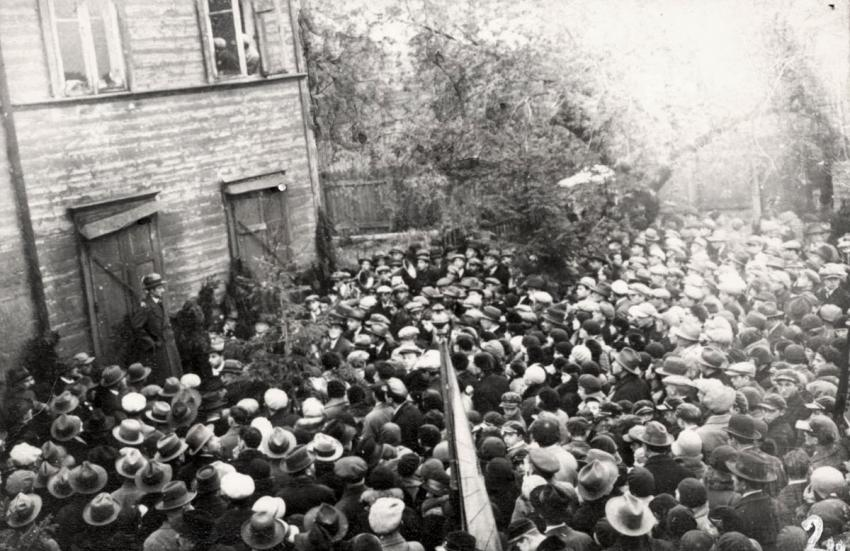 Crowds gathered for the laying of the cornerstone of the YIVO Building in Vilna, Poland, October 1939