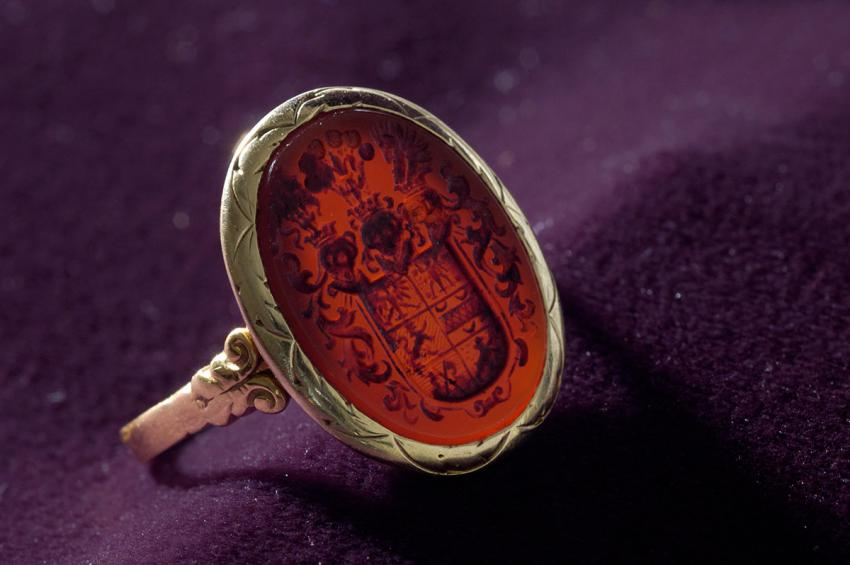 Signet ring that Heinrich Samson of Norden, Germany gave to his son, Heinz, when they parted