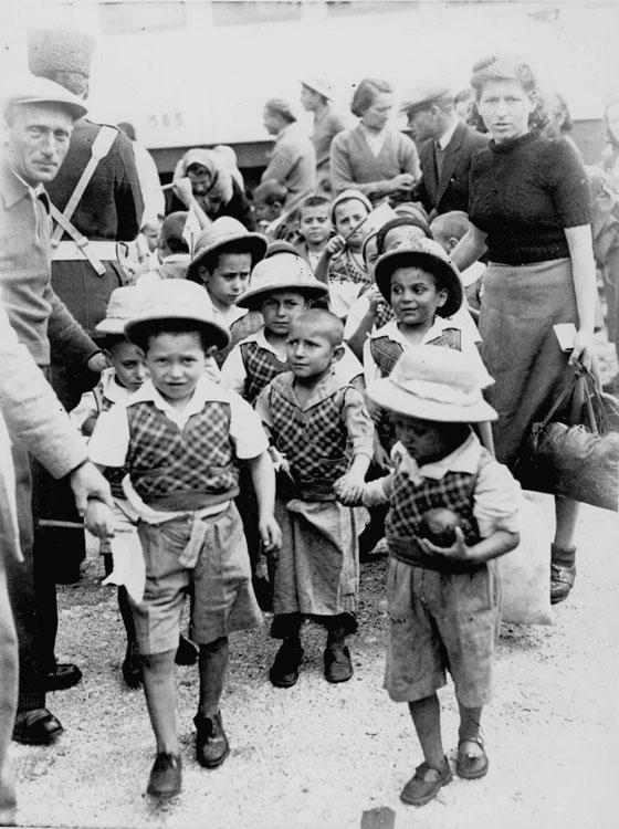 "The ""Tehran Children"" arrive in Eretz Israel, February 1943"