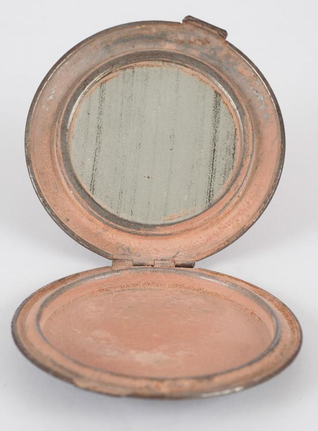 Esther Bromberg's powder compact, one of the  few things she took with her when she escaped from the Warsaw ghetto