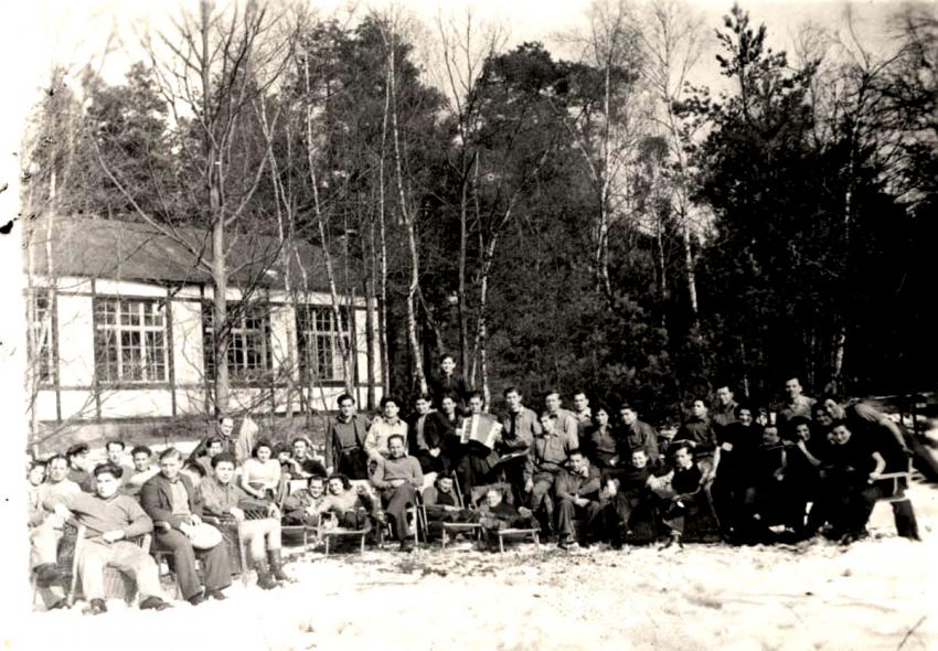 "Members of the ""Kibbutz Buchenwald"" Pioneer Training Group in Antwerp, Belgium, March 1946"