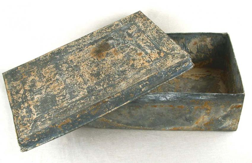 Metal box in which part of the Oneg Shabbat Archive was preserved