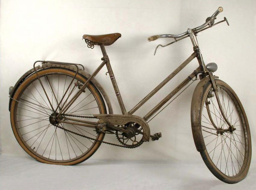 The bicycle of Marie-Rose Gineste, a social worker who was active in the underground in the Montauban area of France