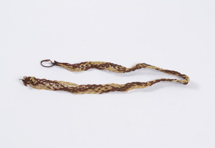 Belt woven from electrical wires that Sima Wronski made in the Ravensbrück camp