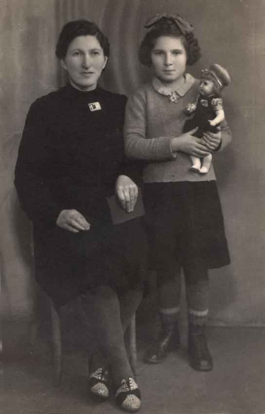 Basia Klig with her mother, Poland, 1946