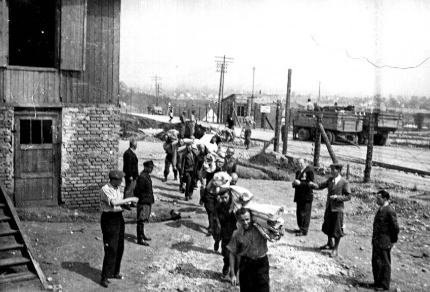 Plaszow, Poland, 1943, Jews on a forced labor detachment