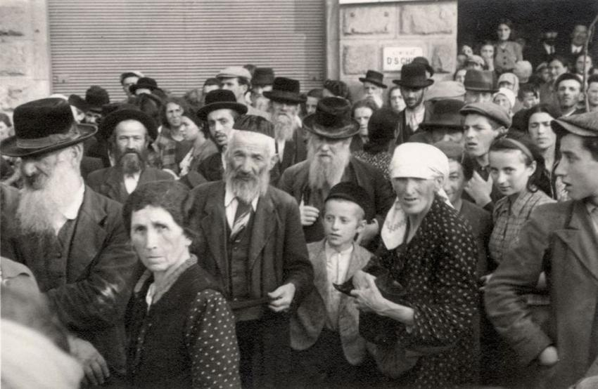 Jews gathered for forced labor in Przemysl, Poland, October 1939