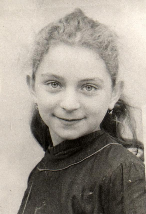 Clairette Vigder, France, early 1940s