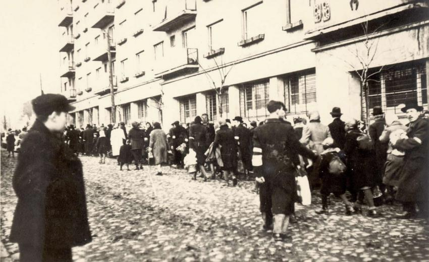 Deportation of Jews from Oswiecim to the Bendzin Ghetto, Poland, April 1941