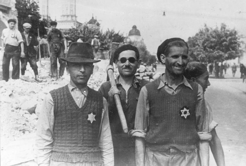 Jews in Romania wearing the yellow star on their clothes, 1941.