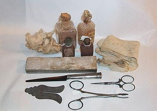 Moshe Matza's circumcision kit, which he used in Zakinthos during the war years
