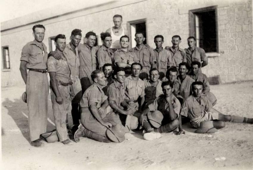 A group of soldiers from Eretz Israel in Marsa Matroh, Egypt, August 1941
