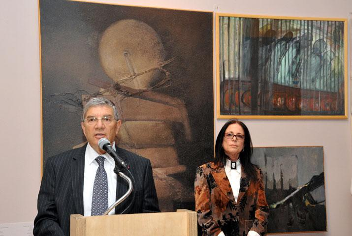 Chairman of the Yad Vashem Directorate Avner Shalev and curator of the exhibition and Deputy Director of the Museums Division Yehudit Shendar at the opening of the exhibition