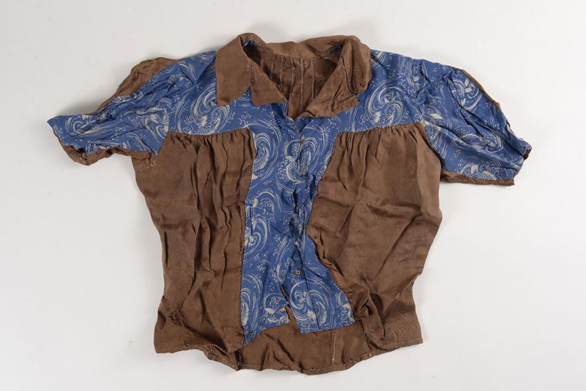 Blouse sewed for Janina Praetzel on her liberation from the Kratzau camp
