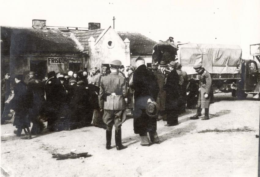 Deportation of Jews from Wloclawek, Poland to the Chelmno Death Camp, April 1942