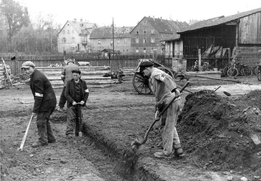 Jewish forced laborers digging a sewage ditch, Hanau, Germany, October 1941